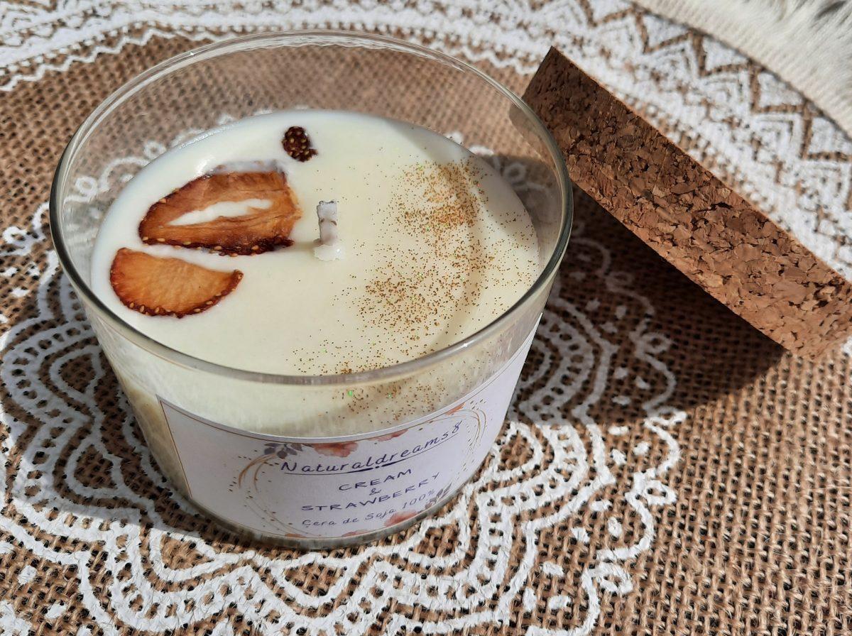 NaturalDreams8 • Cera de Soja Cream & Strawberry